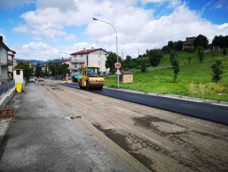 Nuovi asfalti nella parte alta di via Roma a Umbertide