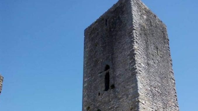 Pietralunga, borgo si trasforma in un museo a cielo aperto