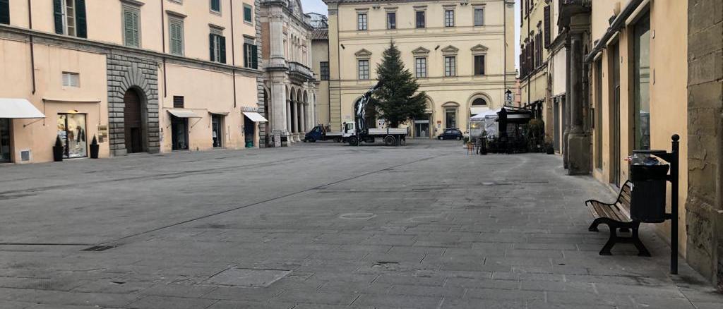 Città di Castello, martedì saranno accesi albero di natale e luminarie