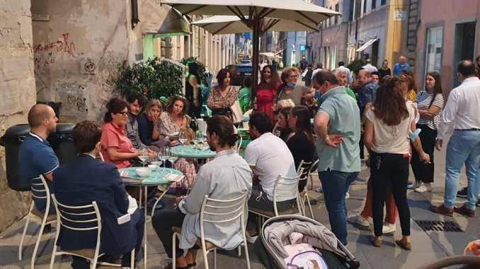 Luciana Bassini incontra Giuseppe Conte tour al Mercato giovedì mattina