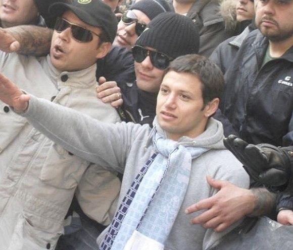 Mauro Zarate Hitlergruß