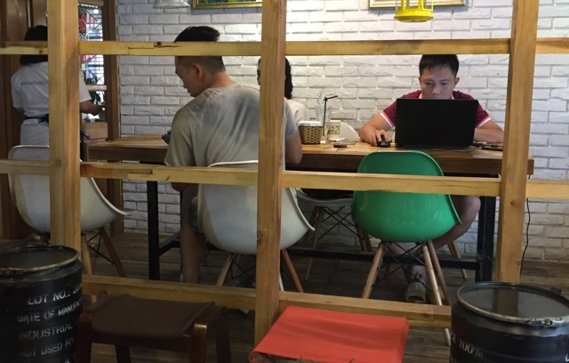 quiet-cafes-hanoi-for-working-or-reading