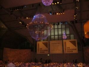 the super size chandelier at the Goldene Feder in Hamburg