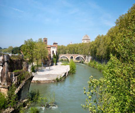 Tiber River Island