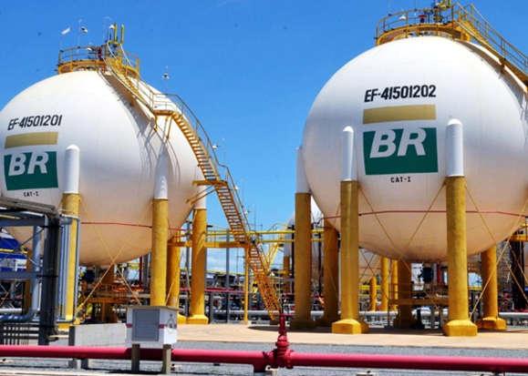 Evo Morales arranca acordo com governo brasileiro, e Petrobras terá que pagar milhões à Bolívia por gás