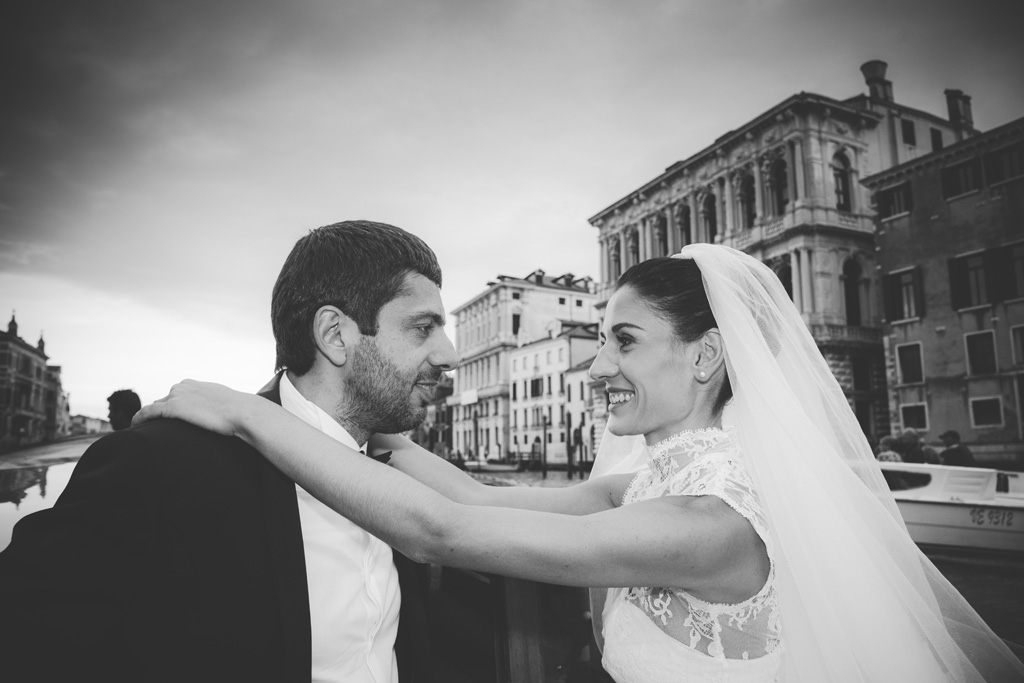 matrimonio bianco e nero venezia fotografo mestre destination photographer