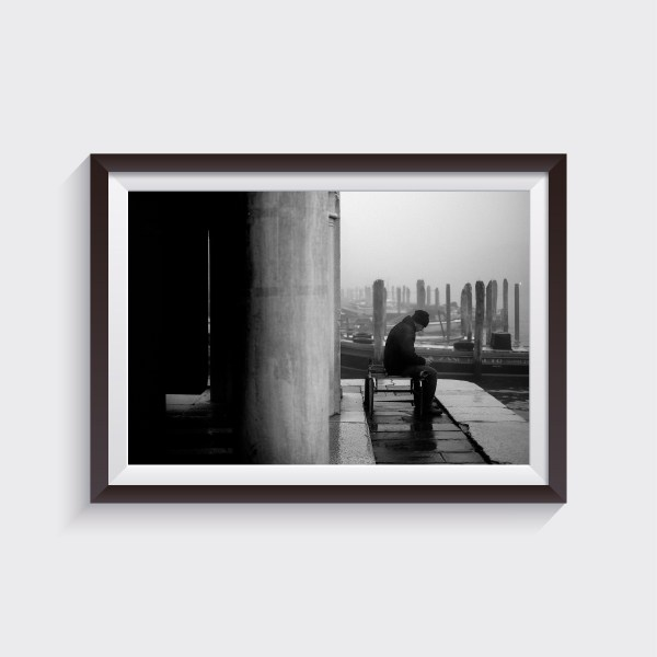 man at rialto fish market during a foggy day shop prints alvise busetto