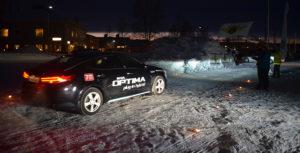 Målgång för elbilsrallyt i Älvsbyn på gamla ICA-parkeringen.