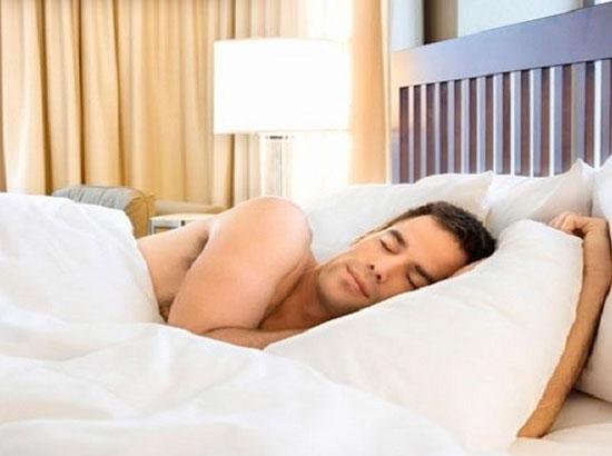 علماء يجب على الرجل ان ينام عاريا صحة صحيفة الوسط