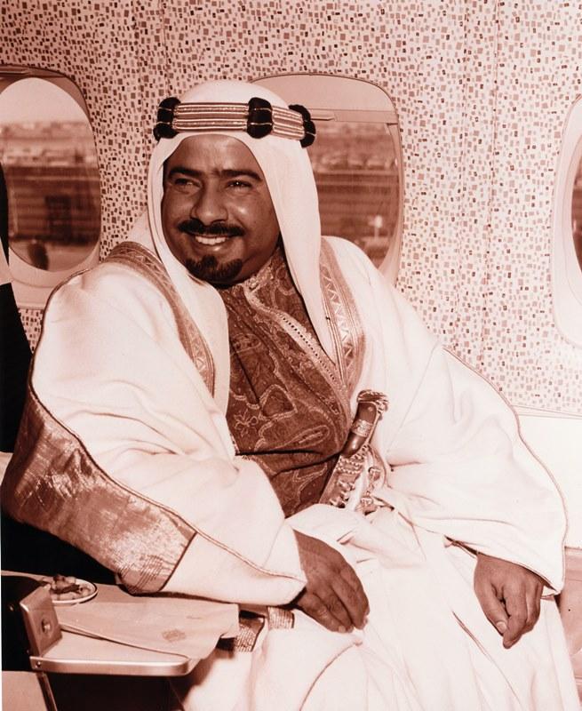 اختتام حملة لحظات مصورة من حياة الأمير الراحل الشيخ عيسى بن