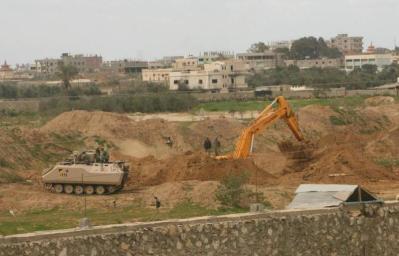 الجيش المصري يدمر ثمانية أنفاق مع حدود غزة