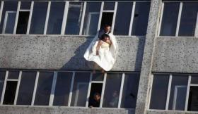 قتل زوجته رمياً من الطابق السادس لكن قبل موتها قالت سر مهم جداً