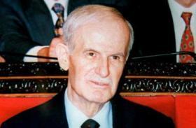 """""""سبوتنيك"""": حلم حافظ الأسد يتحقق أخيرا !"""
