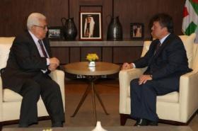 رئيس السلطة الفلسطينية محمود عباس، بالعاهل الأردني الملك عبد الله