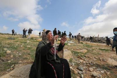 جرافات الاحتلال تتوغل على حدود بيت لاهيا