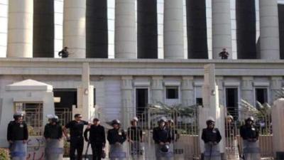 """طالبان مصريان يخفيان جثة والدتهما في """"الخزانه"""" لـ3 سنوات .. لسبب غريب!"""