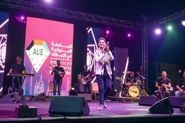 6565 3 - بالصور.. محمد عساف يشعل أجواء الجامعة الأمريكية بحضور الآلاف