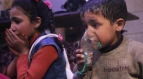شاهد.. نظام الأسد يرتكب مجزرة جديدة بهجوم كيماوي في دوما