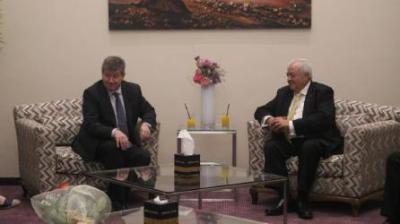 أبو شهلا يستقبل مدير عام منظمة العمل الدولية