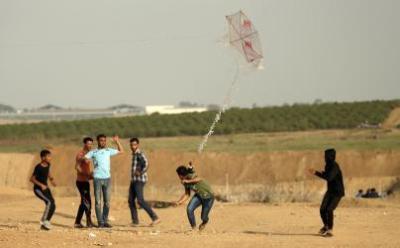 """خسائر فادحة بمخزن زراعي إسرائيلي بفعل """"طائرة حارقة"""""""
