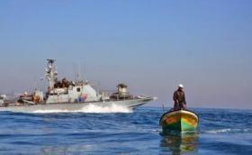 انقطاع البث في سفينة الحرية لكسر الحصار والاحتلال يطلق نيران تحذيرية