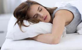 خطر كبير يلاحق النساء اللواتي يعانين من اضطرابات النوم