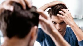 أنواع قشرة الشعر وكيف تتخلص من كل منها