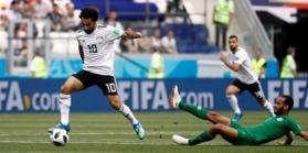 المنتخب السعودي ينتزع فوزًا متأخرًا على مصر في كأس العالم