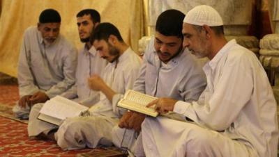 """""""لا تفوت رمضان"""".. كيف تتجهز للعشر الأواخر وما هو فضل الاعتكاف ؟"""