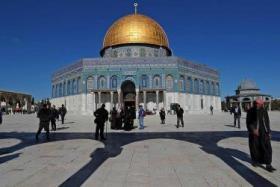 الاحتلال يعتقل 12 مُصليًا من داخل الأقصى
