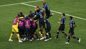 منتخب فرنسا يكتسح كرواتيا ويتوج بطلا لكأس العالم