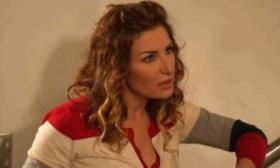 فنانة عربية تصدم جمهورها بظهورها في فيلم إباحي.. هكذا تم الإيقاع بي!