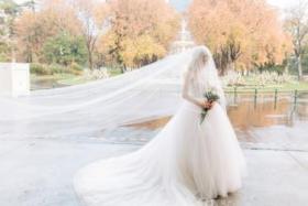 """ألغت زفاف أحلامها الفاخر.. بسبب رفض المدعوين دفع """"المعلوم"""""""