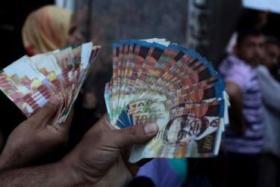 قيادي بحماس: رواتب كاملة لموظفي غزة