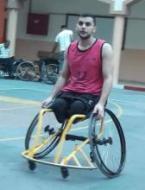 يحيى بشار خوالد يحترف لعبة كرة السلة للكراسي المتحركة في تركيا