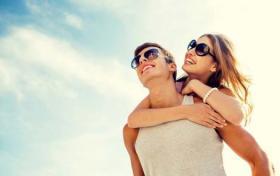 إن كنتم واقعين في الحب.. تعرفوا معنا إلى فوائده الصحية