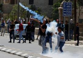 إصابات خلال مواجهات اندلعت مع جنود الاحتلال بالقدس
