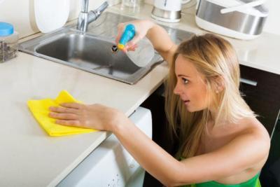 لا ترموا هذه الأشياء في فتحات الصرف الصحي!