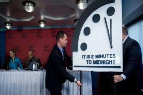 علماء: ساعة القيامة قريبة أكثر من أي وقت مضى