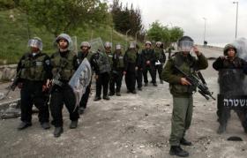 الاحتلال يعتقل مواطنًا ومتضامنًا في القدس