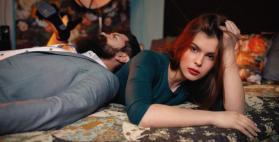 عندما تعاند المرأة زوجها.. هل تُظهر قوتها أم ضعفها؟