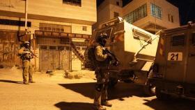 الاحتلال يصيب 3 شبان ويعتقل آخرين في مخيم الدهيشة