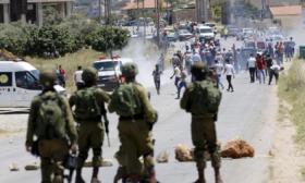 إصابة عدد من المواطنين بالاختناق في مواجهات مع الاحتلال بالخليل