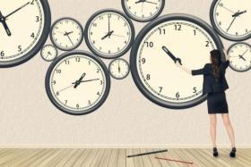 """انتبهوا.. بعض الأجهزة غيرت توقيت الساعة لـ """"التوقيت الصيفي"""" وقدمت ساعة"""