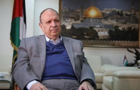 الاحتلال يبعد وزير شؤون القدس عن الأقصى