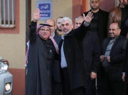 تفاصيل اجتماع السنوار مع السفير العمادي في غزة