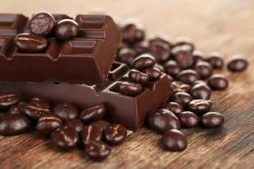 الشوكولا الداكنة تحمي من مرض خطير