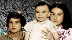 هذه الطفلة أصبحت نجمة كوميدية لبنانية. خمنوا من هي؟