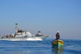 سلطات الاحتلال تقلص مساحة الصيد في بحر غزة