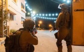 حملة اقتحامات واعتقالات واسعة بينهم محافظ القدس عدنان غيث